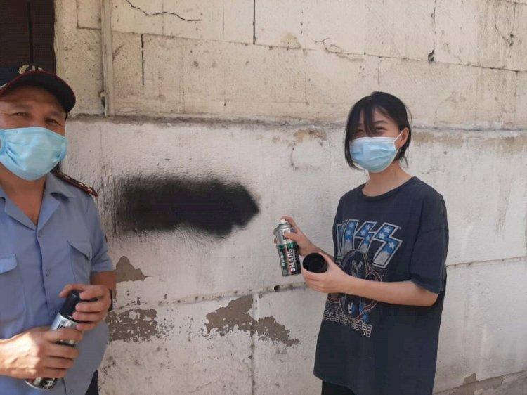 В Алматы закрасили около 170 наркограффити