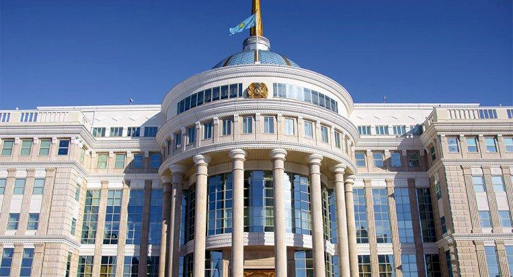 Президент РК подписал указ о награждении погибших при стрельбе в Алматы