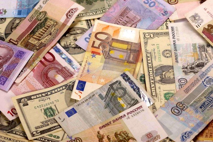 По какому курсу можно продать и купить доллары, евро и рубли в Алматы