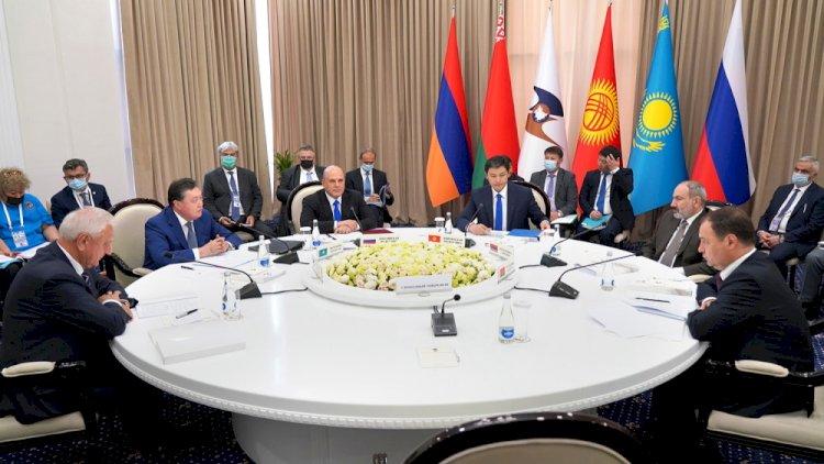 Аскар Мамин предложил актуализировать антикризисные меры ЕАЭС