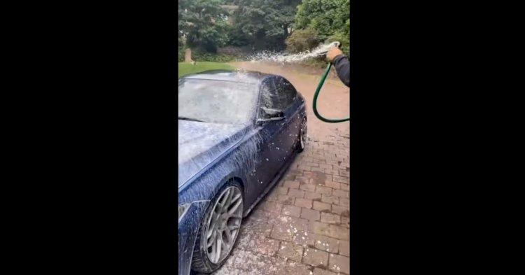 Помыть машину, не заезжая на автомойку: лайфхак от изобретательного автовладельца