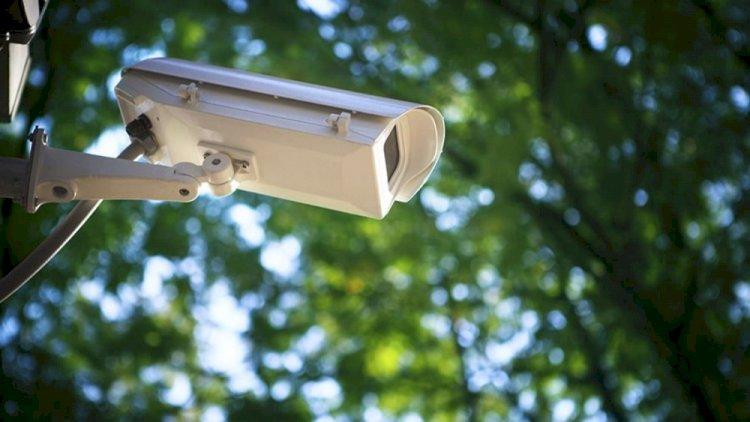 В Алматы грабитель попал в объектив видеокамеры