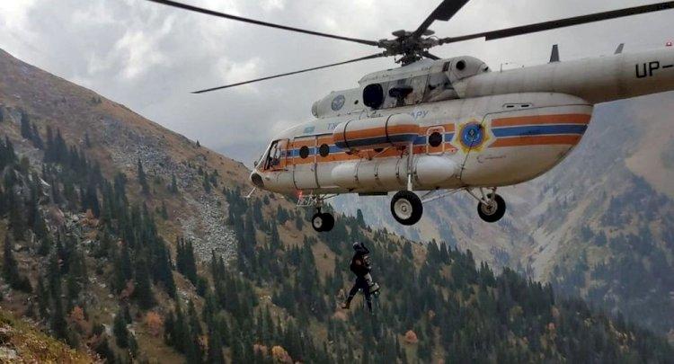 Турист сорвался со скалы в горах Алматы