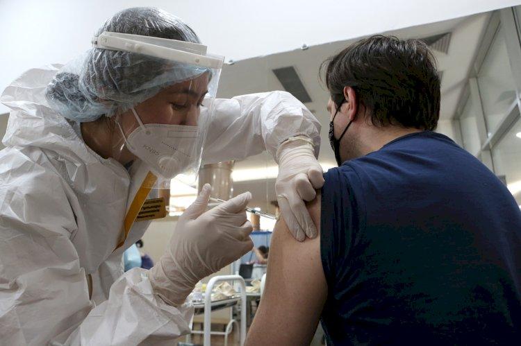 Предоставление оплачиваемых отгулов после вакцинации инициировали в РФ
