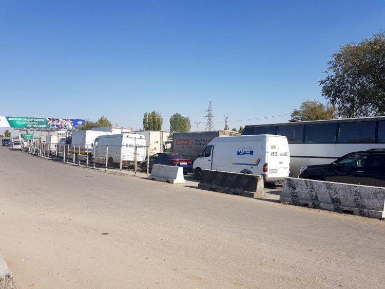 Более 200 машин скопилось на пограничных переходах Казахстана