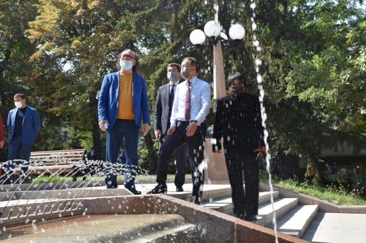 В День города в Алматы открыли знаменитый фонтан «Неделька»