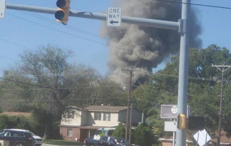 Самолет ВВС США упал на жилые дома в Техасе