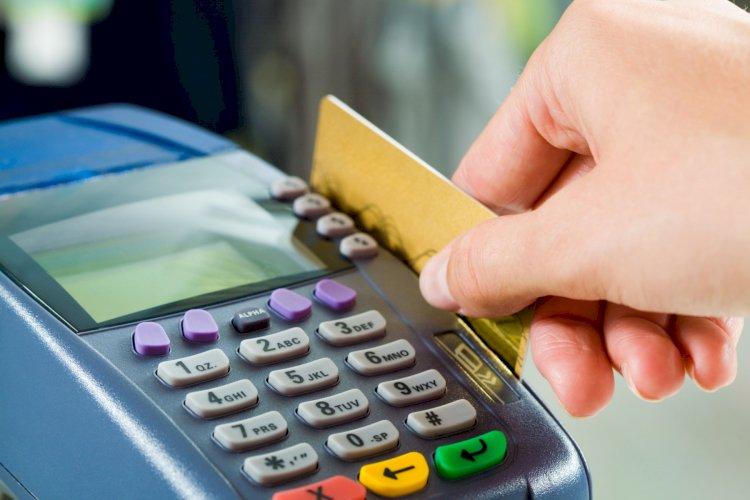Казахстанцы переключились на безналичные платежи