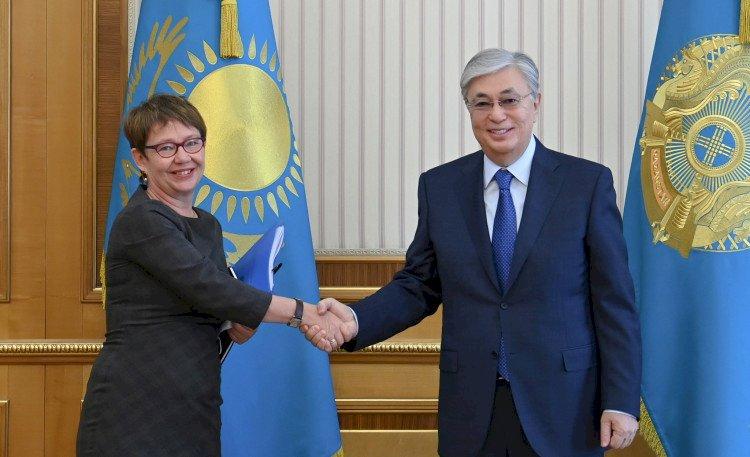 Глава государства провел встречу с Президентом ЕБРР Одиль Рено-Бассо