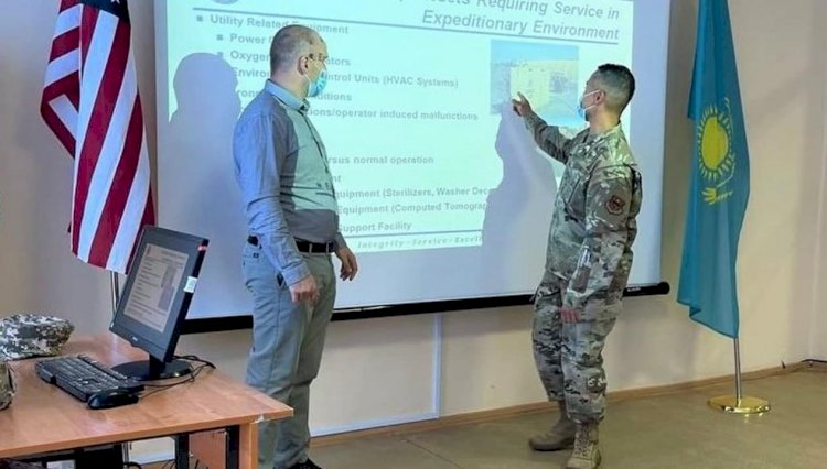 Казахстанские и американские военные медики обменялись опытом в Алматы