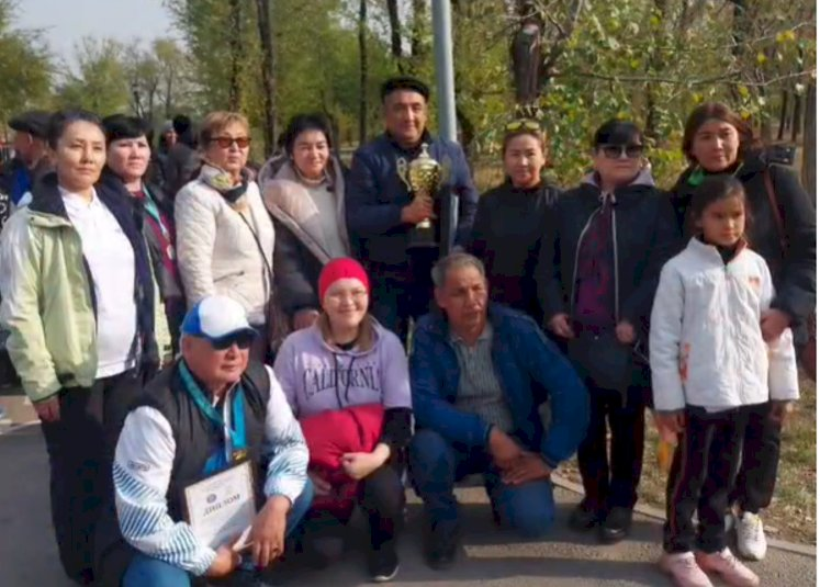 В Алматы в парке Желтоксан было высажено 200 деревьев