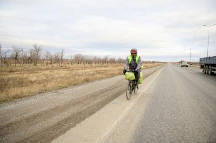 Алматинский велопутешественник в одиночку объедет Казахстан